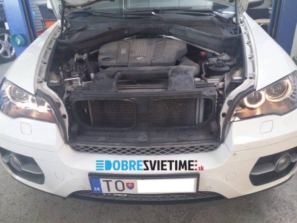 BMW X6 - po renvacii svetla vyzeraju aj svietia ako nove