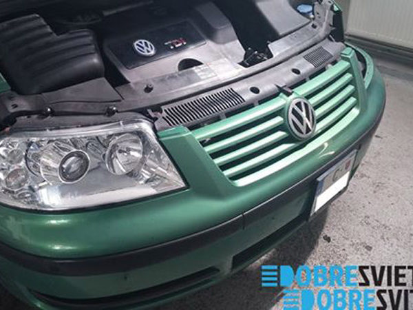 VW SHARAN - repas svietel