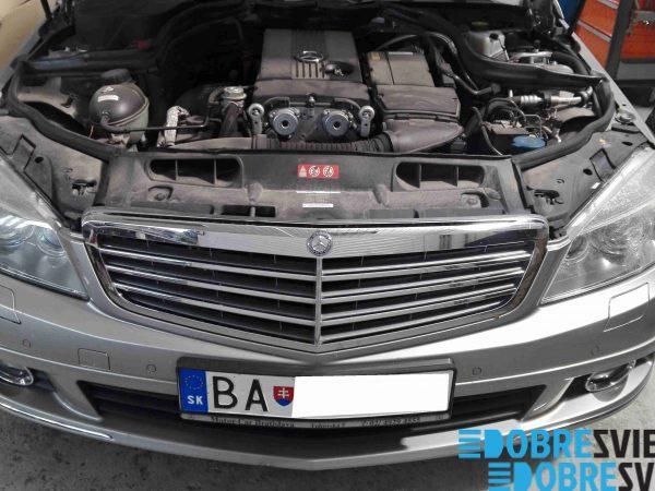Mercedes Benz - repas svetiel